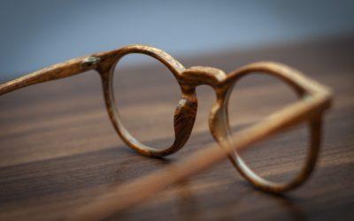 Con occhiali migliori